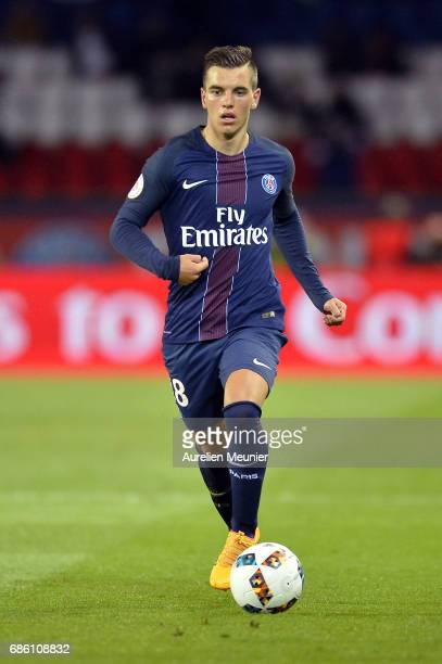 Giovani Lo Celso of Paris SaintGermain runs with ball during the Ligue 1 match between Paris SaintGermain and SM Caen at Parc des Princes on May 20...