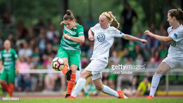 Giovanna Hoffmann of Bremen and Meret Wittje of Wolfsburg fight for the ball during the Second Bundesliga Nord match between Werder Bremen and VfL...