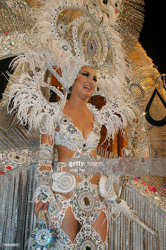 Giovanna Lee smiles after bring selected Queen of the Carnival on February 1, 2013 in Las Palmas de Gran Canaria, Spain.