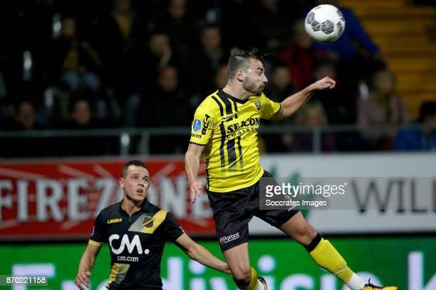 Giovanni Korte of NAC Breda Roel Janssen of VVV Venlo during the Dutch Eredivisie match between VVVvVenlo NAC Breda at the Seacon Stadium De Koel on...
