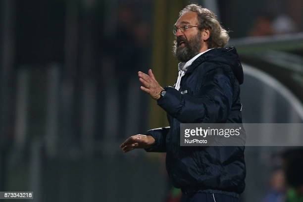 Giovanni Pagliari head coach of AS Gubbio 1910 during the Lega Pro 17/18 group B match between Teramo Calcio 1913 and AS Gubbio 1910 at Gaetano...