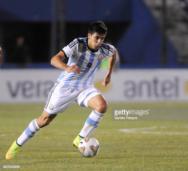 Giovanni Simeone of Argentina drives the ball during a match between Argentina and Colombia as part of South American U20 at Parque Central Stadium...