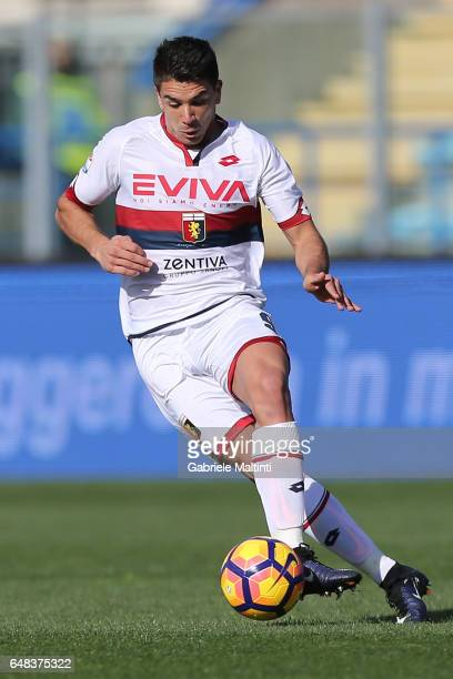 Giovanni Simeone of Genoa CFC in action during the Serie A match between Empoli FC and Genoa CFC at Stadio Carlo Castellani on March 5 2017 in Empoli...