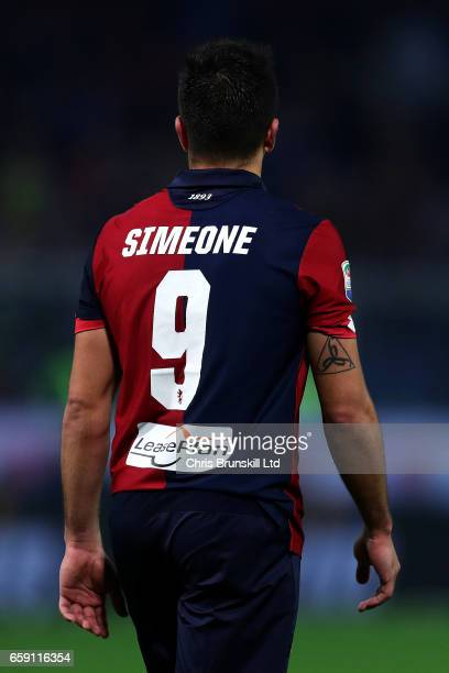 Giovanni Simeone of Genoa CFC in action during the Serie A match between Genoa CFC and UC Sampdoria at Stadio Luigi Ferraris on March 11 2017 in...