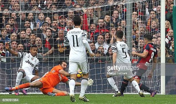 Giovanni Simeone of Genoa CFC scores the opening goal during the Serie A match between Genoa CFC and Juventus FC at Stadio Luigi Ferraris on November...