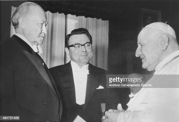 Giovanni XXIII welcomes Chancellor Adenauer for a special hearing