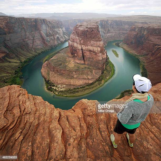 girl at horseshoe bend