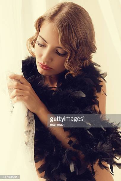 Erotiche anni 20 foto e immagini stock getty images - Ragazza alla finestra ...