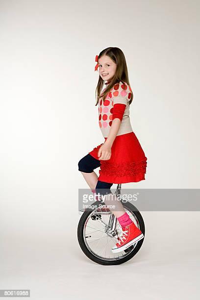 女の子サイクリング、一輪車