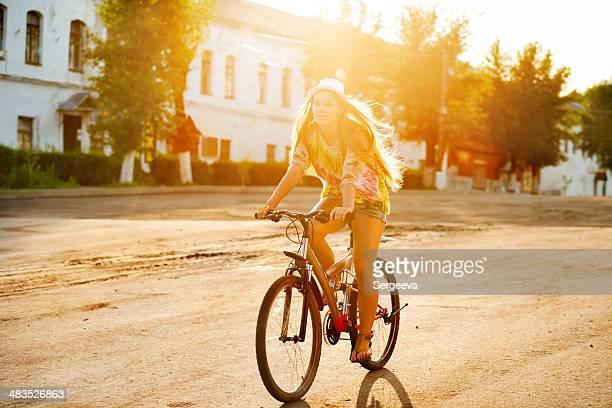 Ragazza ciclista