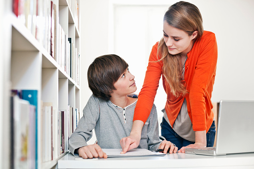 why student shouldnt have relationship with No they shouldn't  teachers should not have any type of relationship with the students in their care other than that of simple teacher/student relationship where.
