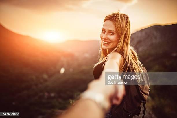 Mädchen mit Mann Hand