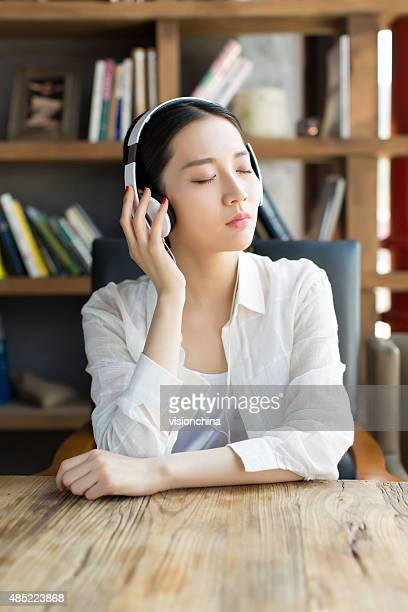 girl listening to sad songs