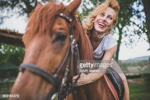 Girl loves horses : Bildbanksbilder