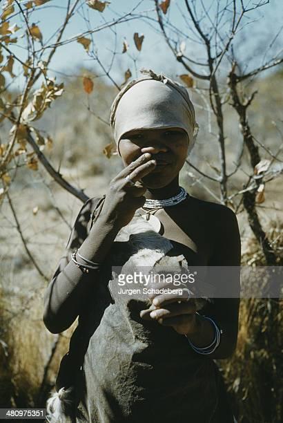 bushmen of the kalahari desert Also issued as videocassette shorter version (24 min) issued under title: the kalahari desert people producers, dennis b kane, nicholas clapp directors and.