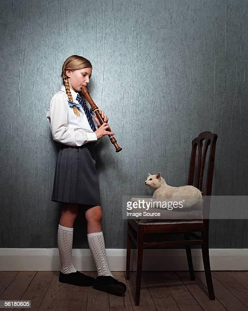 Mädchen spielt Aufzeichnung zu cat