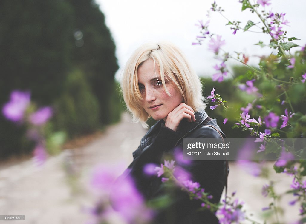 Girl portrait flowers : Stock Photo