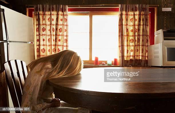 Girl (10 ~11 日)でリラックスしたテーブル