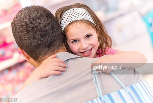 Girl ショッピングで彼女の父親
