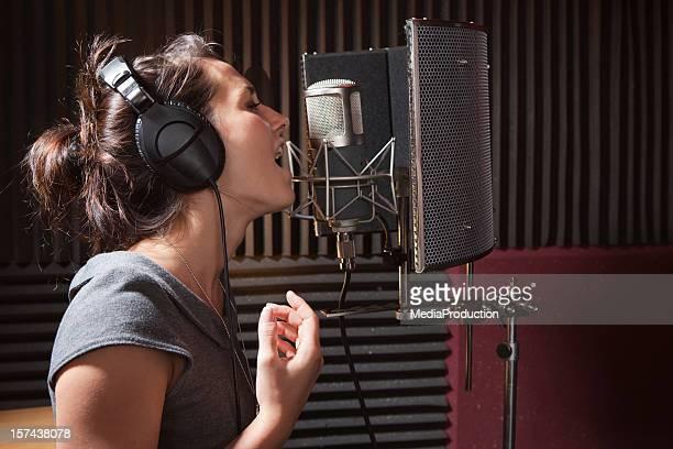 Menina Cantar