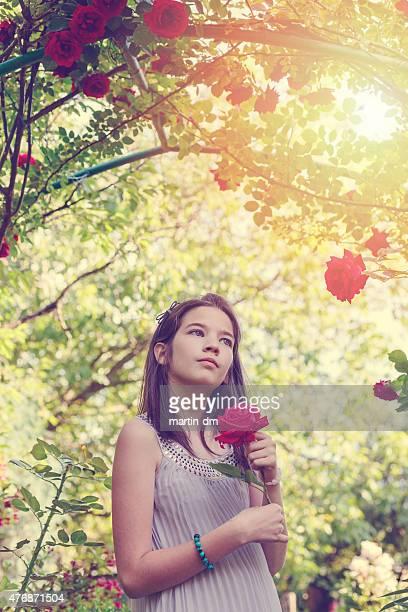 Mädchen unter dem rose bush