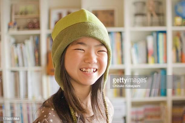 Girl wear a hat