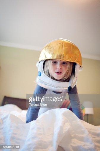 pink astronaut costume - photo #49