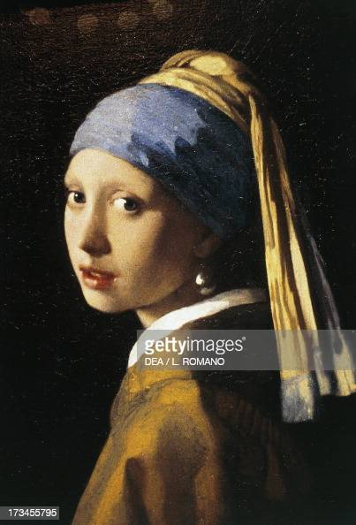 Girl with a Pearl Earring 16651666 by Johannes Vermeer oil on canvas 445x39 cm The Hague Mauritshuis