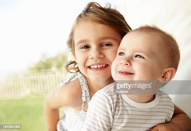 Mädchen mit baby-Schwester
