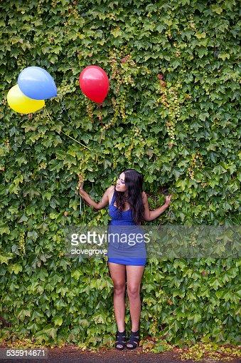 Menina com Balões : Foto de stock