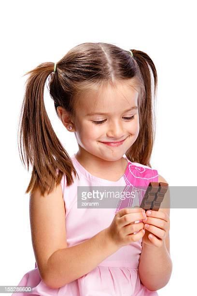 Fille avec du chocolat
