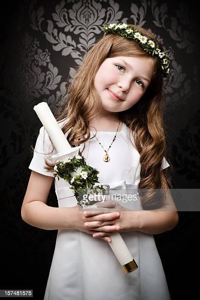 Chica con Laurel y velas Stick