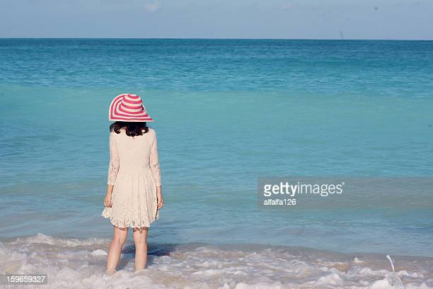 girl with straw hat