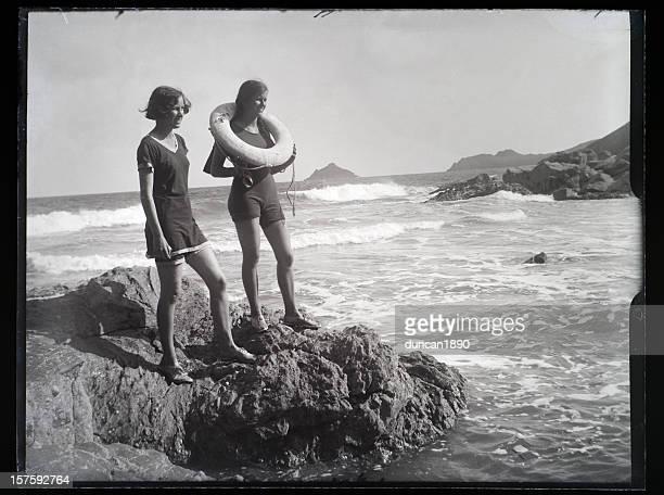 Mädchen am Strand-Vintage Foto