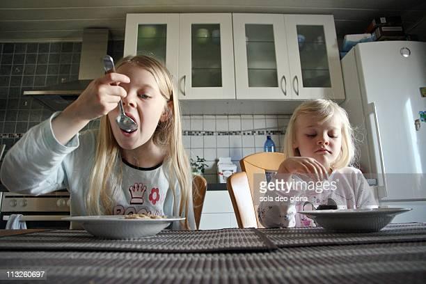 Girls eating breakfast