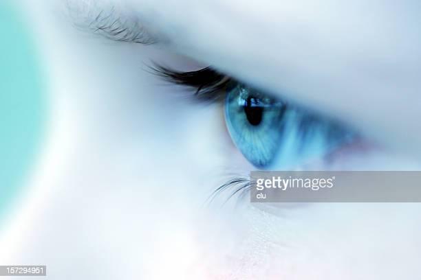 Fille Gros plan de l'oeil