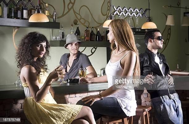 Ragazze in pub