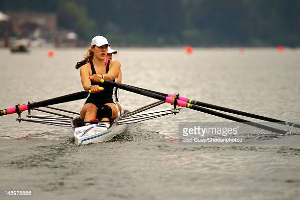 Girls sculling