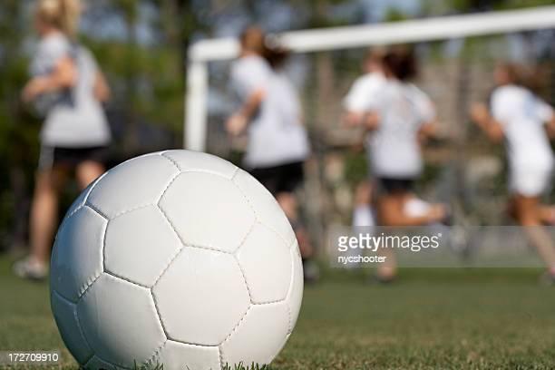 Mädchen-Fußball-Übung