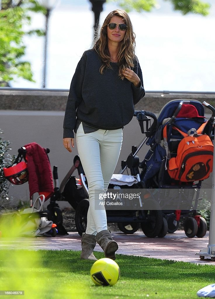 Gisele Bündchen is seen in Battery Park City on May 4, 2013 in New York City.