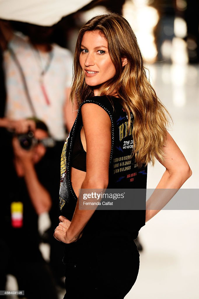 Gisele Bündchen is seen on the runway rehearsing for the Colcci fashion show during Sao Paulo Fashion Week Winter 2015 at Parque Candido Portinari on November 4, 2014 in Sao Paulo, Brazil.
