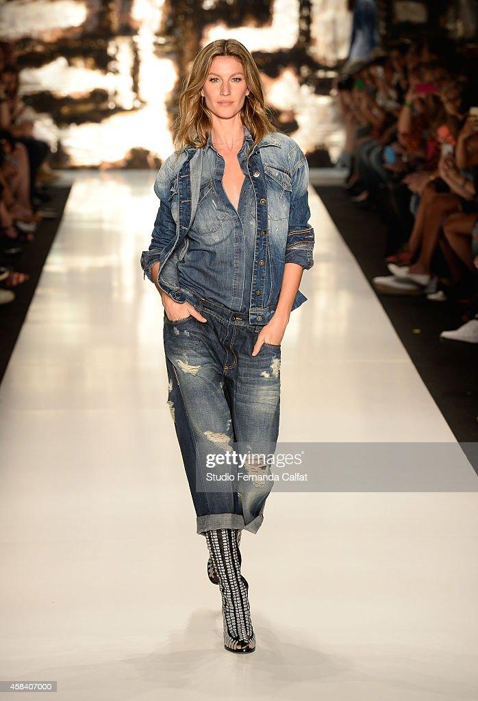 Gisele Bündchen walks the runway at the Colcci fashion show during Sao Paulo Fashion Week Winter 2015 at Parque Candido Portinari on November 4 2014...