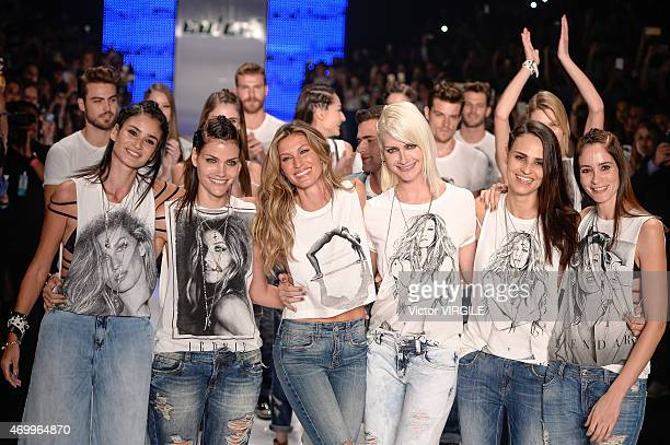 Gisele Bundchen and models during the Colcci show during the SPFW Summer 2016 at Parque Candido Portinari on April 15 2015 in Sao Paulo Brazil