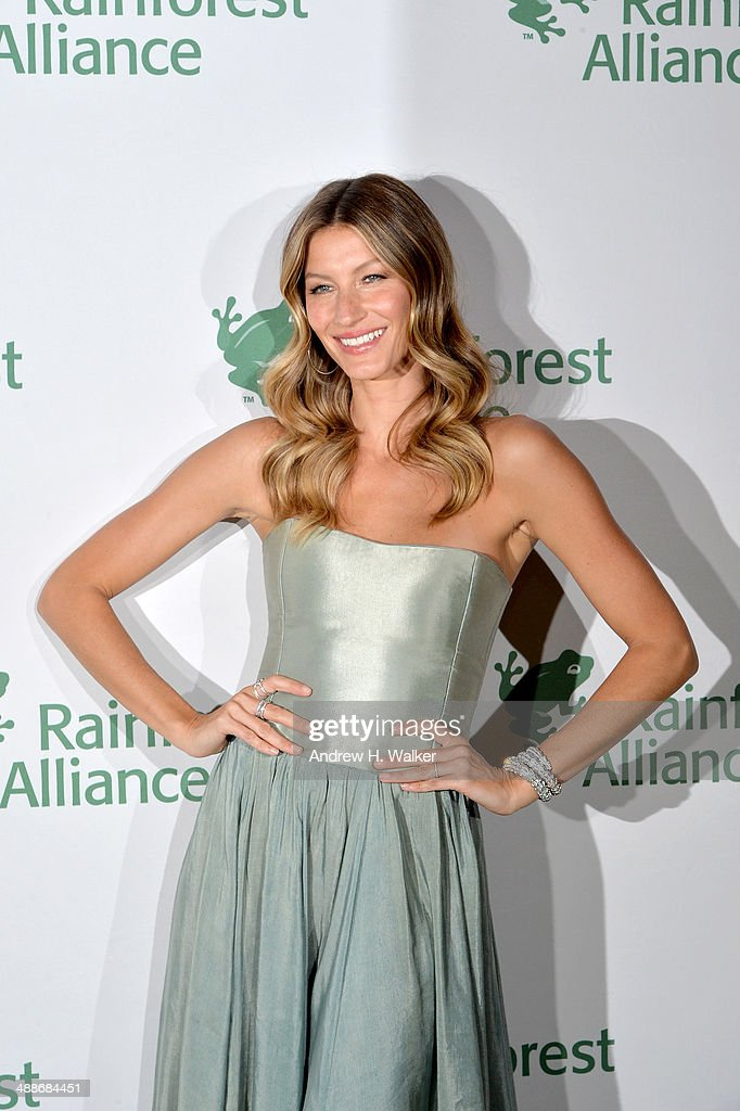 Gisele Bundchen attends the 2014 Rainforest Alliance Gala at American Museum of Natural History on May 7, 2014 in New York City.