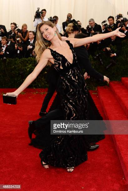 Gisele Bundchen attends the 'Charles James Beyond Fashion' Costume Institute Gala at the Metropolitan Museum of Art on May 5 2014 in New York City