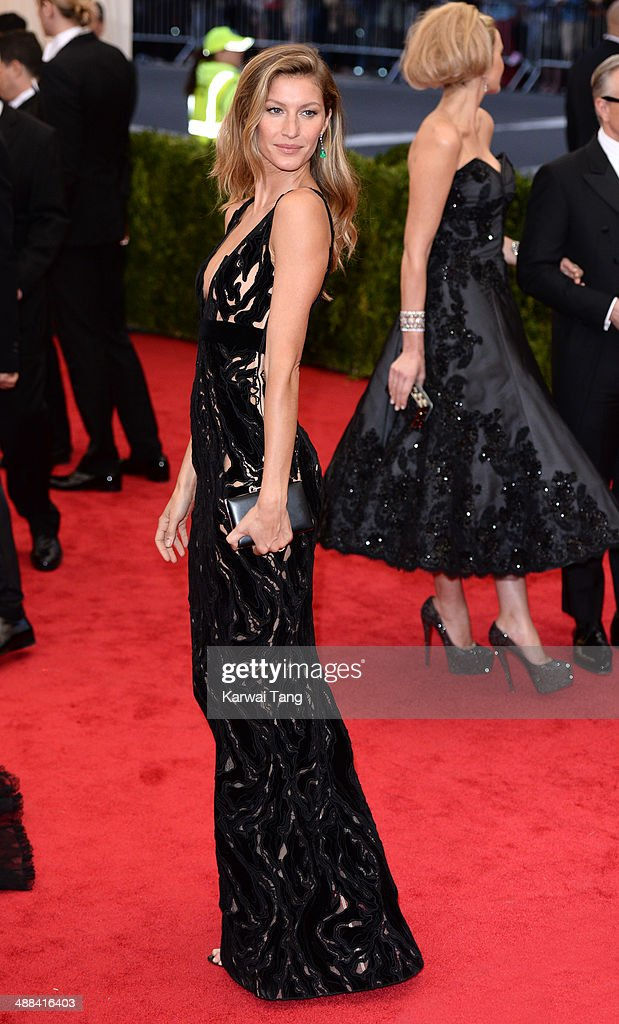 Gisele Bundchen attends the 'Charles James: Beyond Fashion' Costume Institute Gala held at the Metropolitan Museum of Art on May 5, 2014 in New York City.