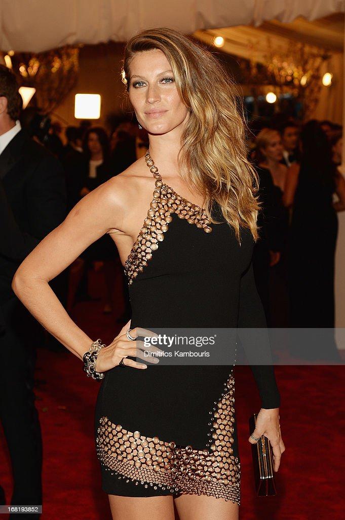 <a gi-track='captionPersonalityLinkClicked' href=/galleries/search?phrase=Gisele+Bundchen&family=editorial&specificpeople=201815 ng-click='$event.stopPropagation()'>Gisele Bundchen</a> attends the Costume Institute Gala for the 'PUNK: Chaos to Couture' exhibition at the Metropolitan Museum of Art on May 6, 2013 in New York City.