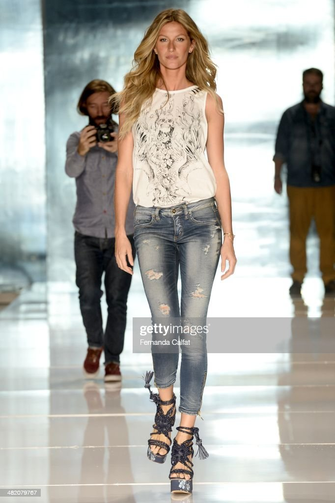 <a gi-track='captionPersonalityLinkClicked' href=/galleries/search?phrase=Gisele+Bundchen&family=editorial&specificpeople=201815 ng-click='$event.stopPropagation()'>Gisele Bundchen</a> in rehearsal at the runway during the Colcci show at Sao Paulo Fashion Week Summer 2014/2015 at Parque Candido Portinari on April 2, 2014 in Sao Paulo, Brazil.