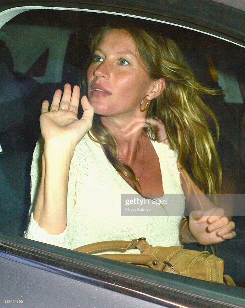 Gisele Bundchen leaves at Prime 112 Steakhouse on November 3, 2012 in Miami Beach, Florida.