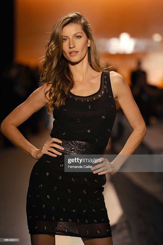 <a gi-track='captionPersonalityLinkClicked' href=/galleries/search?phrase=Gisele+Bundchen&family=editorial&specificpeople=201815 ng-click='$event.stopPropagation()'>Gisele Bundchen</a> rehearses on the runway during Colcci show at Sao Paulo Fashion Week Winter 2014 on October 31, 2013 in Sao Paulo, Brazil.